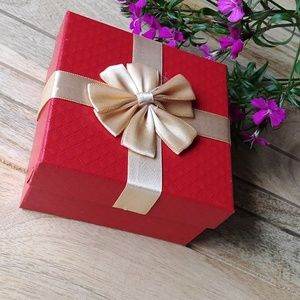 Accessories - Red Quilted Gift Box